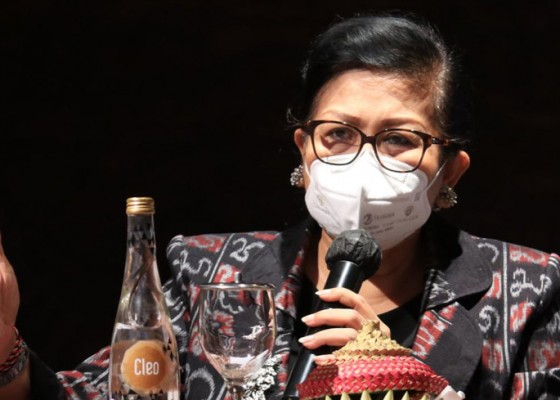 Nusabali.com - putri-koster-wanti-wanti-jangan-jual-produk-tiruan