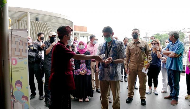 www.nusabali.com-menparekraf-kunjungi-pusat-oleh-oleh-bali-janji-kaji-pelonggaran-ppkm