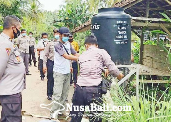 Nusabali.com - banjir-di-melaya-warga-kesulitan-air-bersih