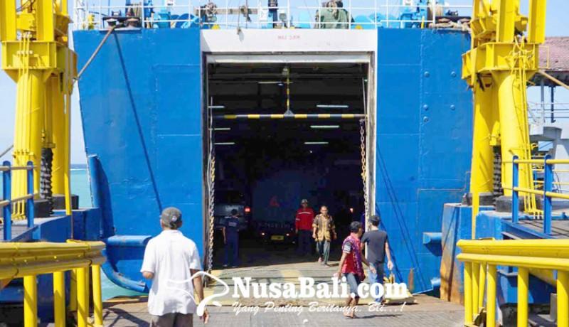 www.nusabali.com-tiga-kapal-masuk-dok-penumpang-sepi