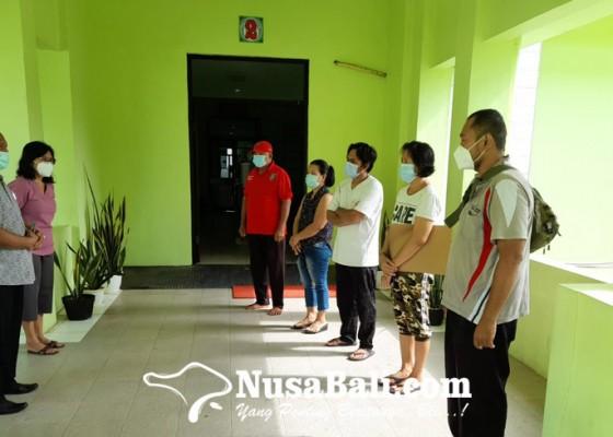 Nusabali.com - petugas-pulangkan-29-pasien-sembuh