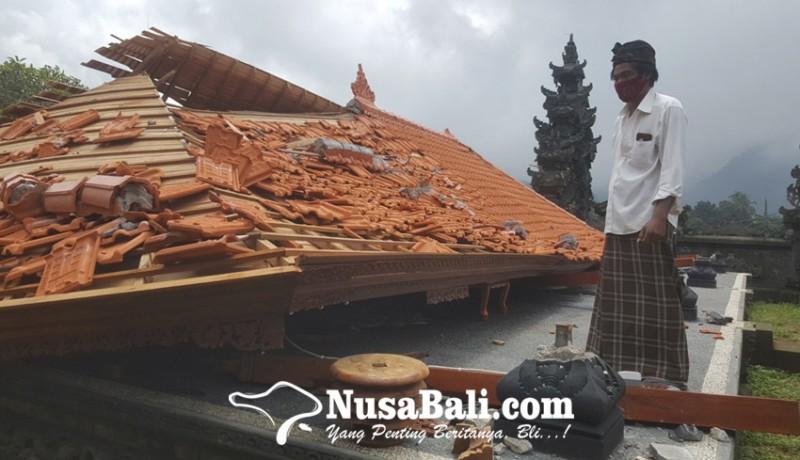 www.nusabali.com-bale-gong-di-pura-desa-lemukih-roboh-akibat-diamuk-hujan-angin