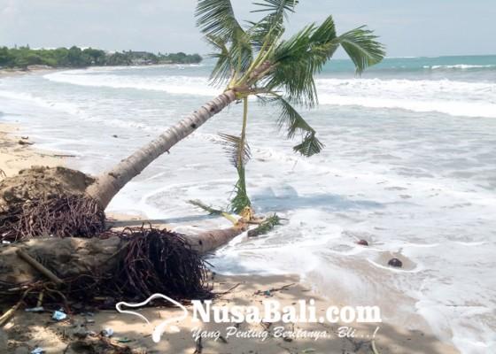 Nusabali.com - pantai-kuta-kembali-abrasi-dinas-pupr-kerahkan-alat-berat
