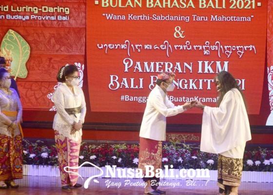 Nusabali.com - bulan-bahasa-bali-dibuka-dengan-lantunan-pupuh-sanjiwani