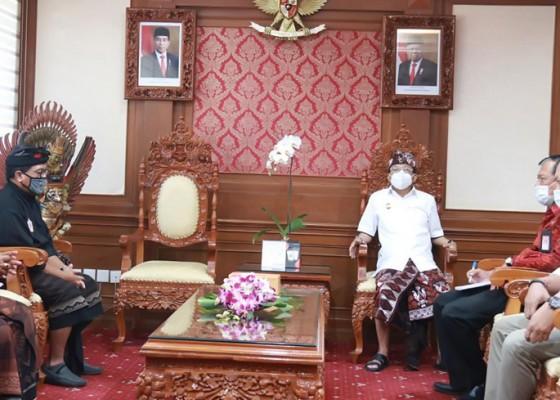 Nusabali.com - gubernur-koster-berharap-kertha-wisesa-melahirkan-atlet-nasional