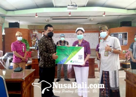 Nusabali.com - 724-tenaga-kontrak-rsud-buleleng-terima-kartu-kepesertaan-bp-jamsostek
