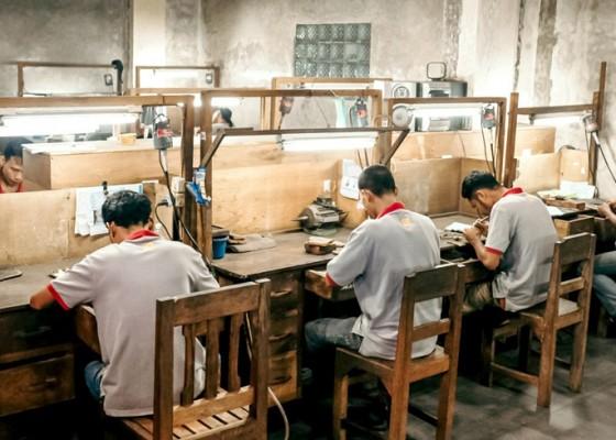 Nusabali.com - bisnis-kerajinan-perak-ketar-ketir