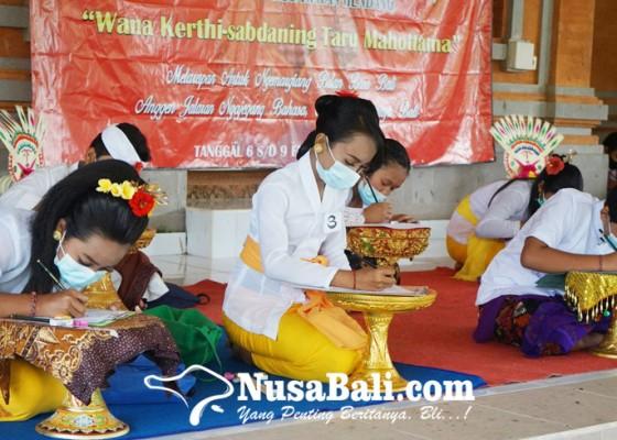 Nusabali.com - nyurat-aksara-bali-awali-bulan-bahasa-bali