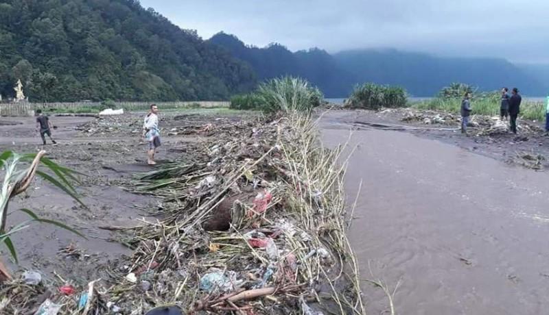 www.nusabali.com-diterjang-banjir-puluhan-hektare-lahan-pertanian-rusak