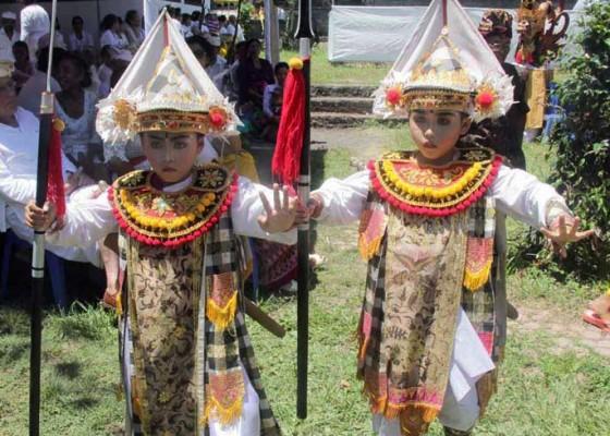 Nusabali.com - si-kembar-belajar-sekarang