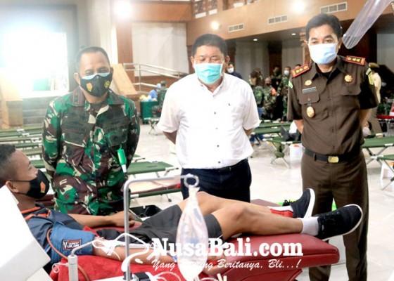 Nusabali.com - hut-ke-60-korem-wira-satya-gelar-donor-darah-plasma-konvalesen