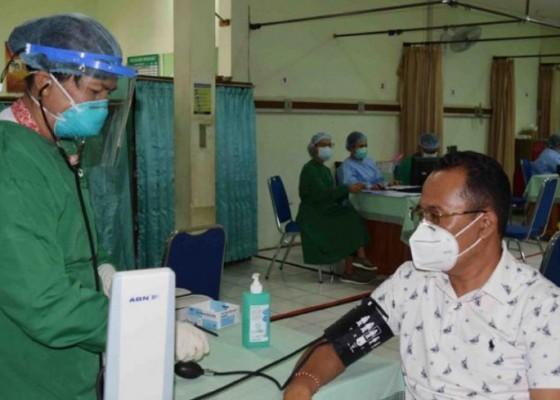 Nusabali.com - vaksinasi-covid-19-untuk-nakes-di-buleleng-capai-84-persen