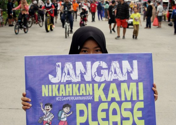 Nusabali.com - child-marriage-police-act-on-kpai-report-investigate-wedding-organizer