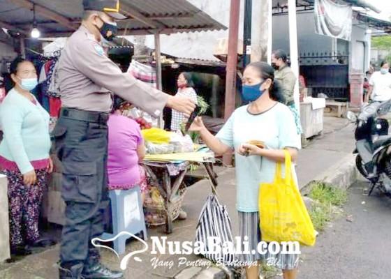 Nusabali.com - perketat-prokes-sambil-bagikan-masker