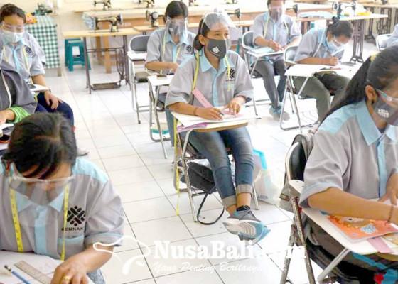 Nusabali.com - blk-disnaker-karangasem-gelar-pelatihan-9-paket