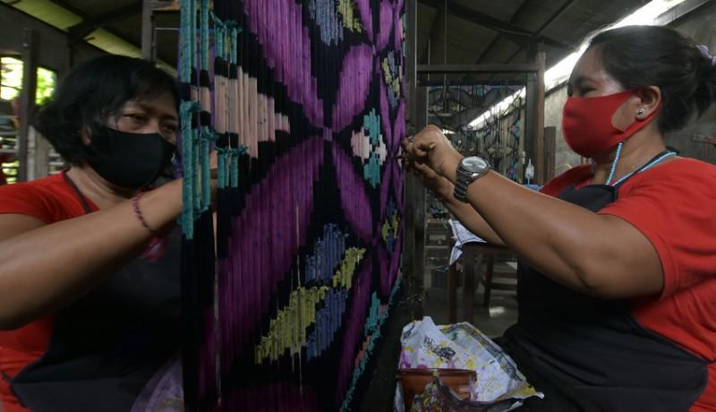 www.nusabali.com-surat-edaran-gubernur-bali-terbaru-setiap-selasa-pakai-endekkain-tenun-tradisional-bali