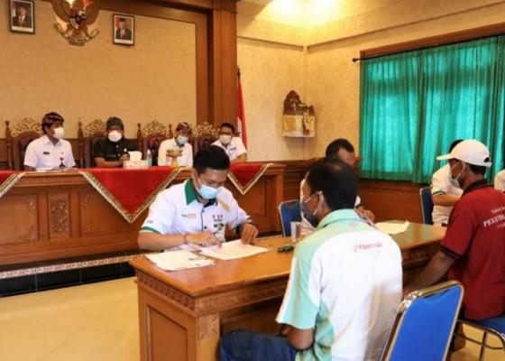 Nusabali.com - badung-lanjutkan-pencairan-bantuan-sosial-tunai-di-tengah-ppkm