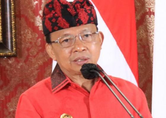 Nusabali.com - gubernur-koster-imbau-menggunakan-kain-tenun-endek-bali-setiap-selasa