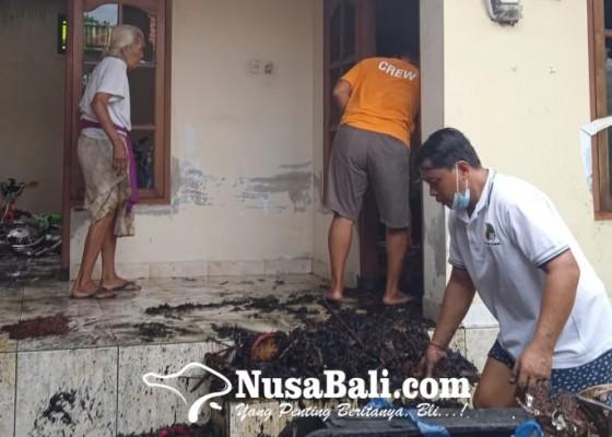 Nusabali.com - mabanten-tumpek-landep-bale-dauh-terbakar