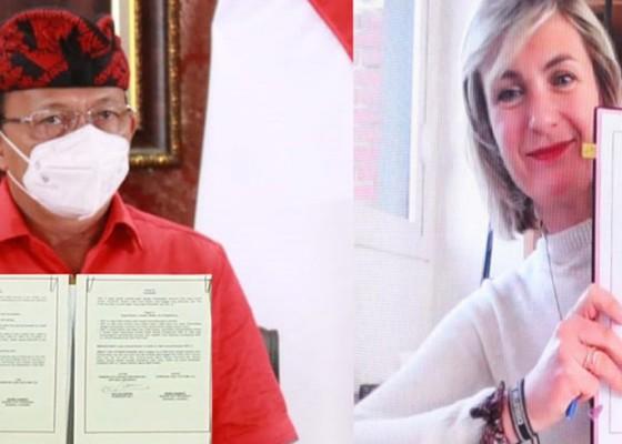 Nusabali.com - gubernur-koster-christian-dior-tandatangani-kerjasama-promosi-tenun-endek-bali