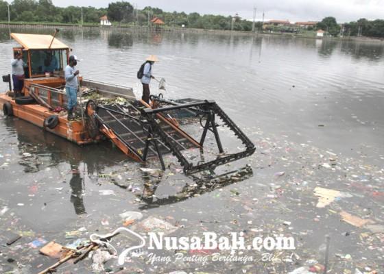 Nusabali.com - bersihkan-air-baku