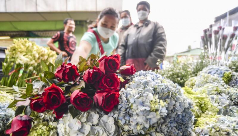 www.nusabali.com-penjualan-bunga-di-pasar-rawa-belong-menurun