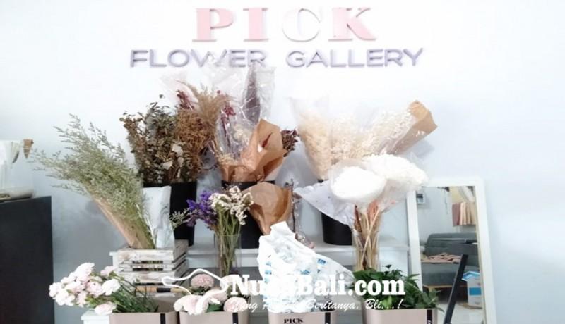 www.nusabali.com-hari-valentine-toko-bunga-diserbu-pembeli