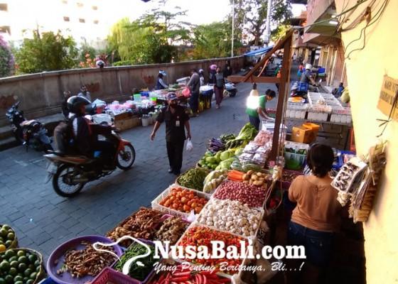 Nusabali.com - pd-pasar-akan-terapkan-pungutan-online-kepada-pedagang-pelataran