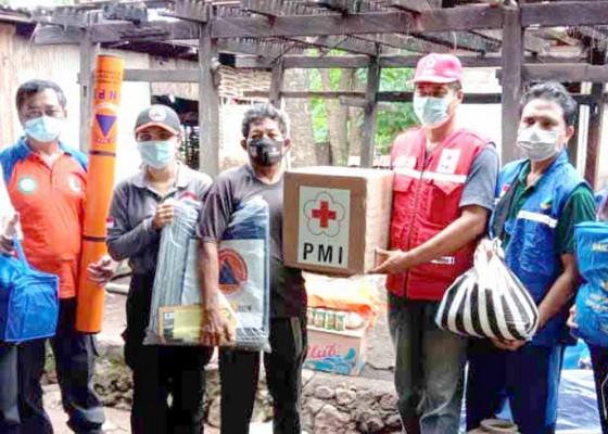 Nusabali.com - bpbd-bantu-korban-bencana