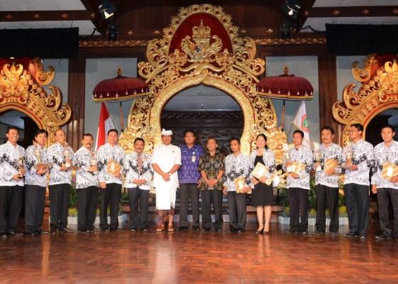 Nusabali.com - wagub-usul-peningkatan-guru-honorer