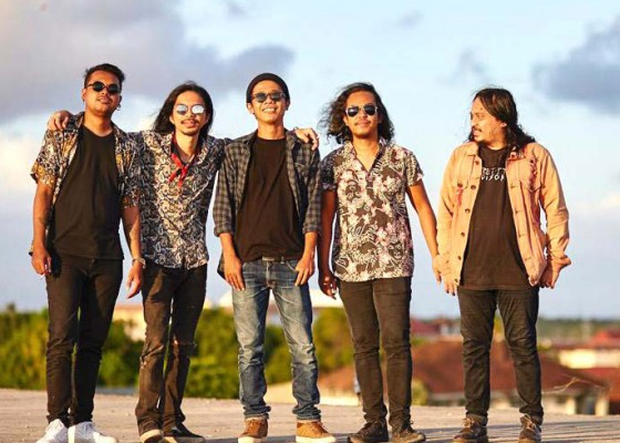 Nusabali.com - momen-hari-valentine-the-bardogs-rilis-single-sydney