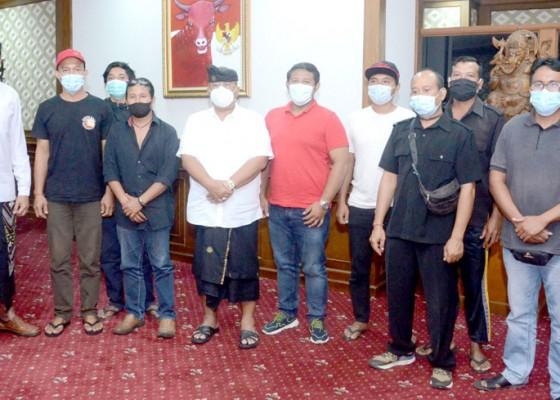 Nusabali.com - parwata-fasilitasi-csr-untuk-peternak-babi-di-badung