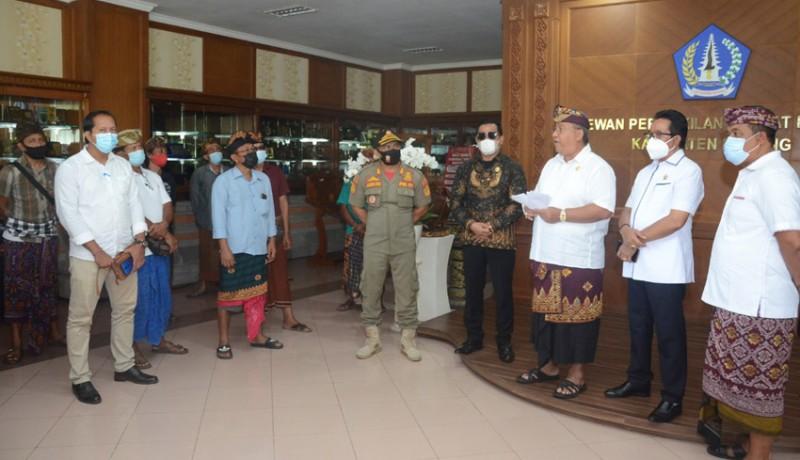 www.nusabali.com-merasa-tak-dapat-keadilan-pendukung-salah-satu-mengadu-ke-dewan