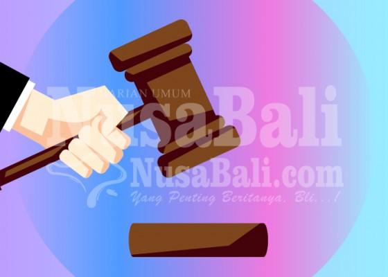 Nusabali.com - pencuri-pistol-polisi-divonis-2-tahun