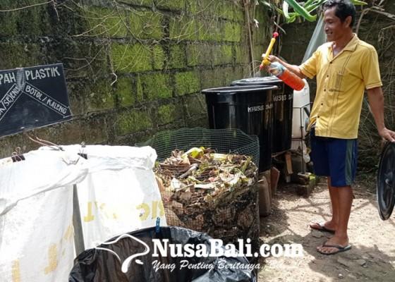 Nusabali.com - kreativitas-i-ketut-widastra-warga-desa-bengkel-kecamatan-kediri-tabanan-di-masa-pandemi