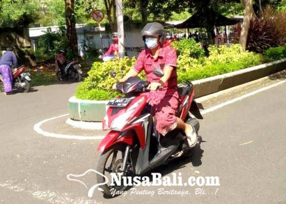 Nusabali.com - mulai-selasa-depan-pns-wajib-gunakan-endek-bali