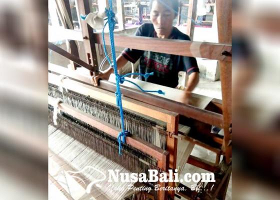 Nusabali.com - sempat-mandeg-perajin-endek-mulai-dapat-pesanan