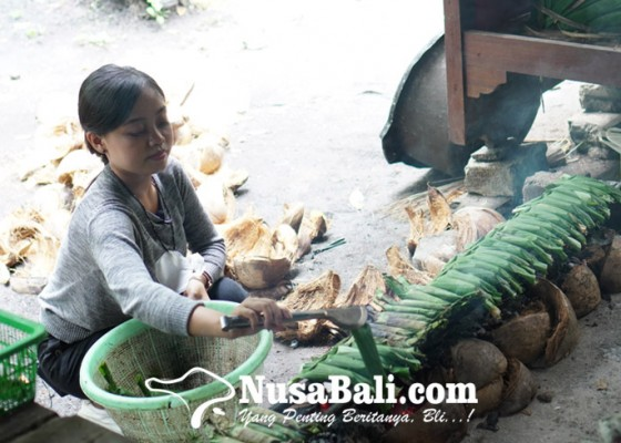 Nusabali.com - pesan-lengis-kuliner-khas-bali-dari-ampas-minyak-tandusan