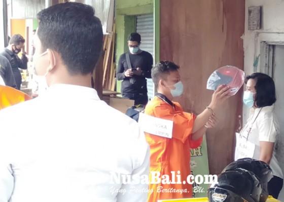 Nusabali.com - rekonstruksi-kasus-pembunuhan-wanita-dagang-keripik-di-sanur-kauh