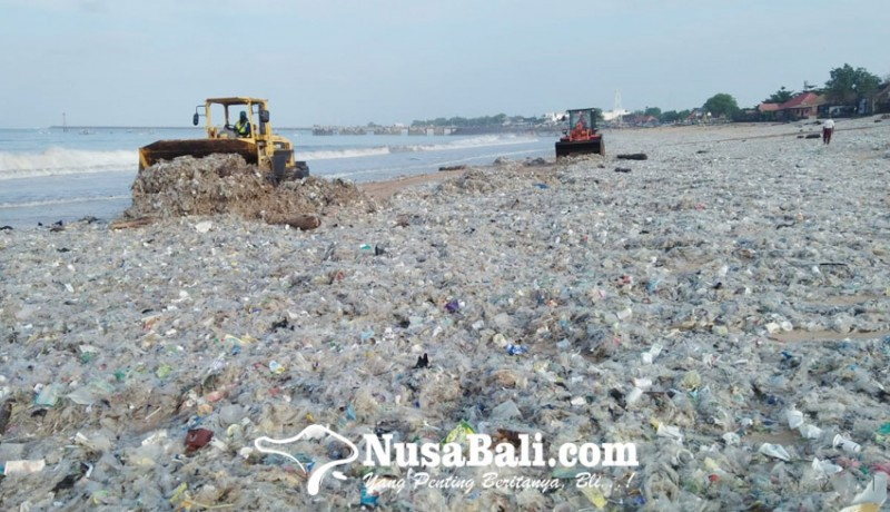 www.nusabali.com-sampah-pantai-kedonganan-capai-600-ton