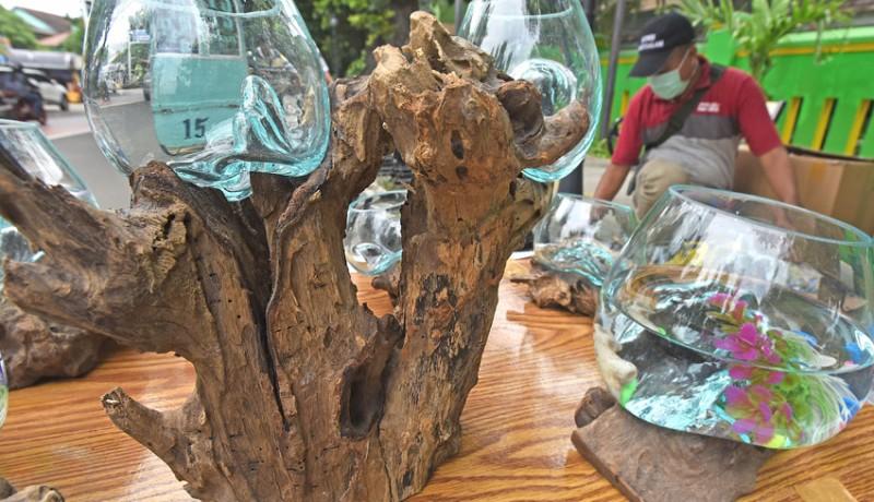 www.nusabali.com-kerajinan-akuarium-akar-pohon