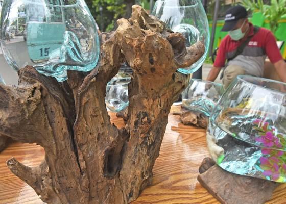 Nusabali.com - kerajinan-akuarium-akar-pohon