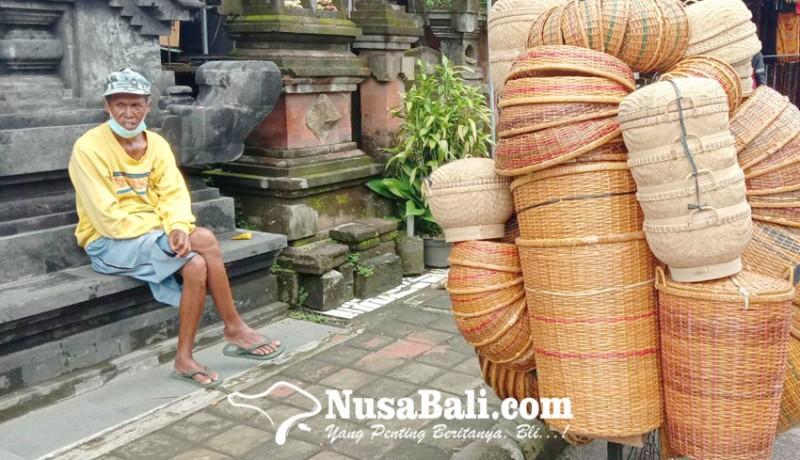 www.nusabali.com-pedagang-bakul-keliling-sepi-pembeli