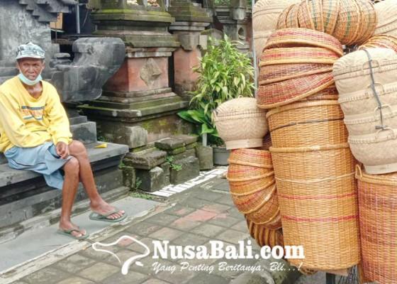 Nusabali.com - pedagang-bakul-keliling-sepi-pembeli