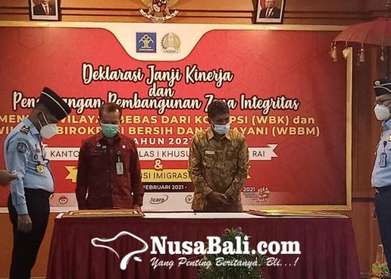 Nusabali.com - kakanwil-instruksikan-tindak-wna-langgar-aturan