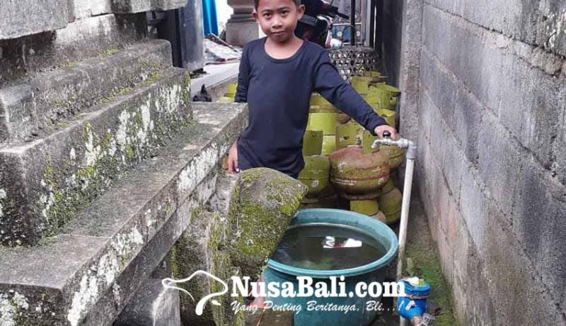 www.nusabali.com-perumda-tirta-tohlangkir-segel-meteran-pelanggan