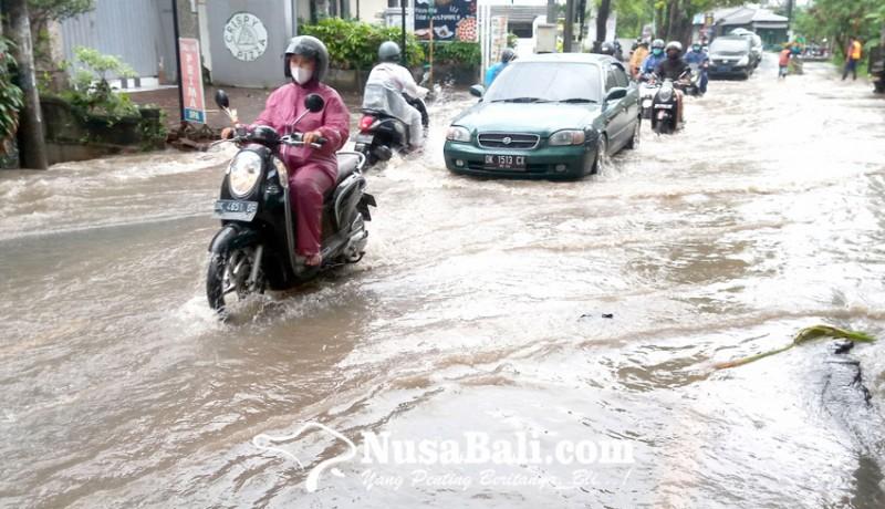 www.nusabali.com-jalan-bypass-ngurah-rai-jimbaran-tergenang-air