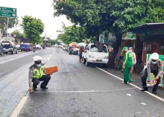 Nusabali.com - adu-jangkrik-pengendara-motor-tewas