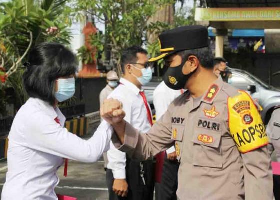 Nusabali.com - kapolres-badung-beri-reward-18-anggota-berprestasi