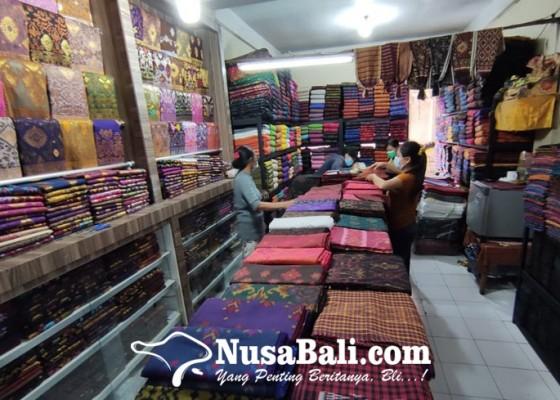 Nusabali.com - penjualan-kain-endek-di-klungkung-meningkat
